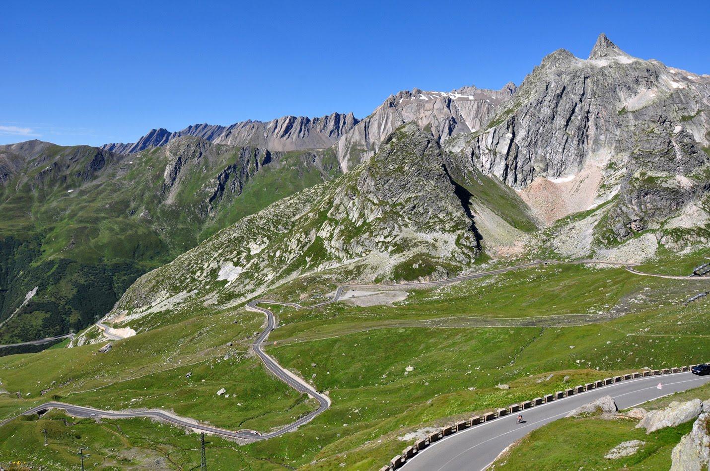 Petit Saint Bernard Pass – [CarCrazedFool]